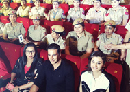 Akshay Kumar enjoys 'Naam Shabana' with Real-life Shabanas
