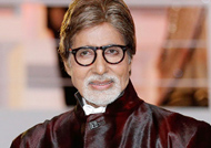Big B gets 'Kajra Re' surprise in Malta: 'Thugs of Hindostan'