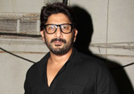 OH NO! Arshad Warsi badly injures his knee