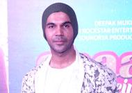 Rajkummar promotes 'Shaadi Mein Zaroor Aana' with fractured leg
