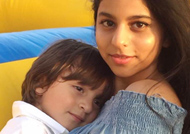 AWWDORABLE! SRK's kids Suhana and AbRam pic is hard to ignore