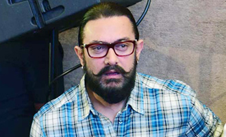 Aamir Khan urges people not to compare Dangal and Baahubali 2 - Bollywood Movie News