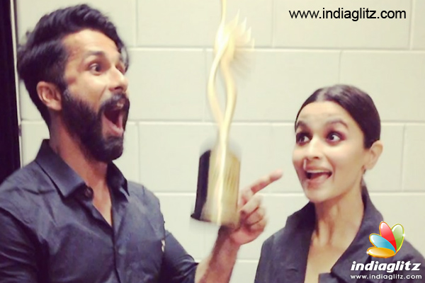 IIFA 2017: Alia and Shahid receive Best Actor Award for Udta Punjab