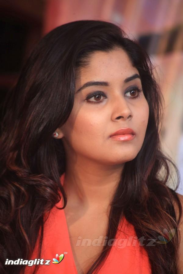 aishwarya sindhogi   kannada actress image gallery