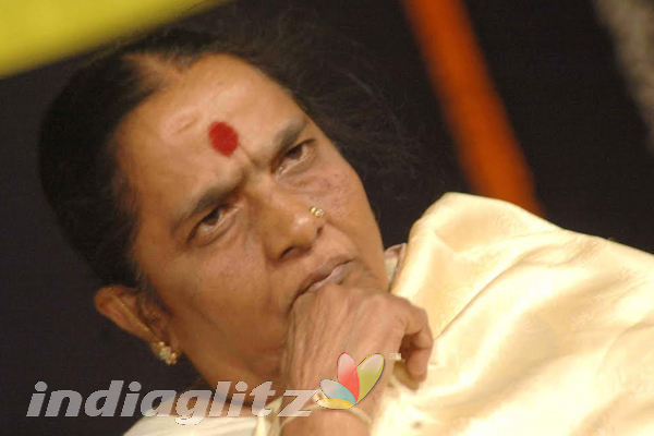 Kannada Film Producer Parvathamma Rajkumar passes away