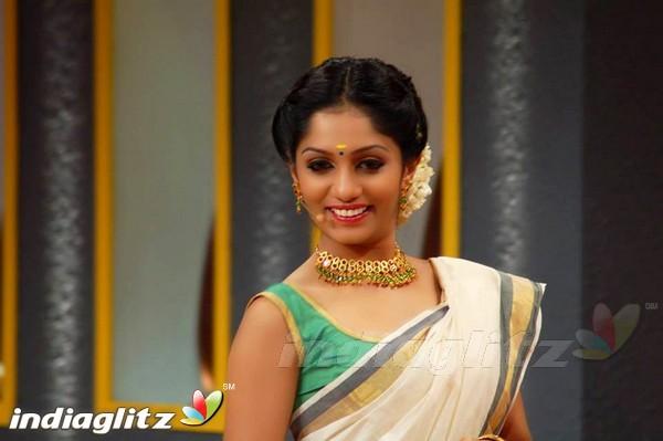 Malayalam Actress Arya Image