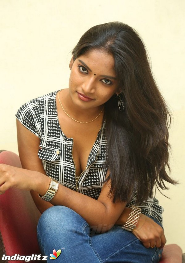 keerthi chowdary   tamil actress image gallery