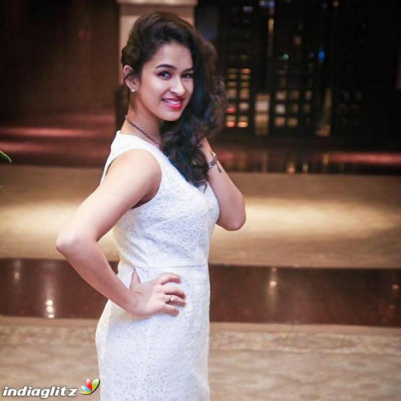 Misha Ghoshal - Tamil Actress Image Gallery