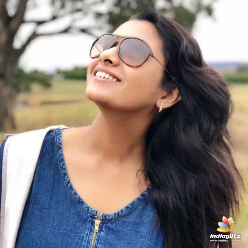 Actress Priya Bhavani Shankar Latest Photo Stills: Tamil Actress Photos, Images