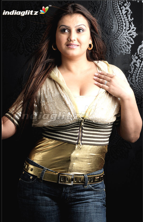 sona   telugu actress image gallery
