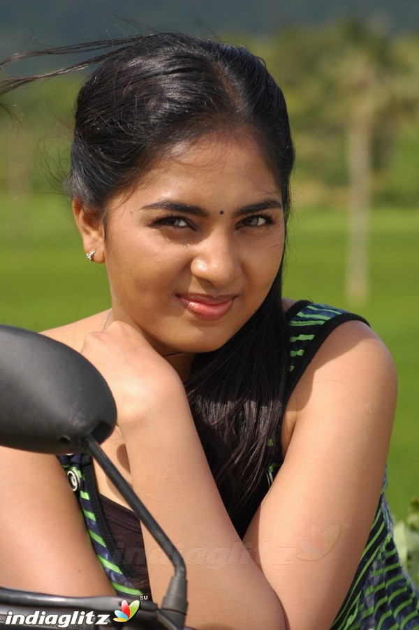 Srushti Dange - Tamil Actress Image Gallery
