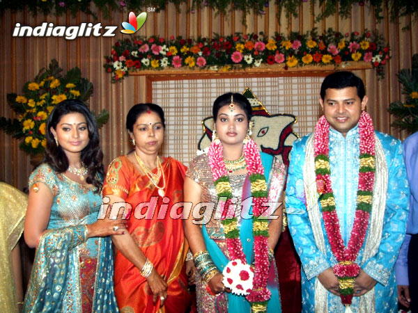 Wedding Reception Of Sneha S Brother Tamil Actress Gallery Indiaglitz