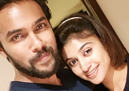 Is Oviya in love with Arav again? New viral pic makes us think so!
