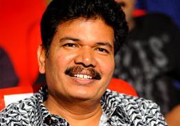Dinesh Karthik becomes Shankar's 'hero'
