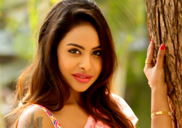 Emergency Alert! Who Sri Reddy is ready to marry?