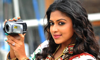 Amala Paul brother Abhijit Paul to act in the lead role in a 3D horror film directed by Vijay Sri - Tamil Movie News
