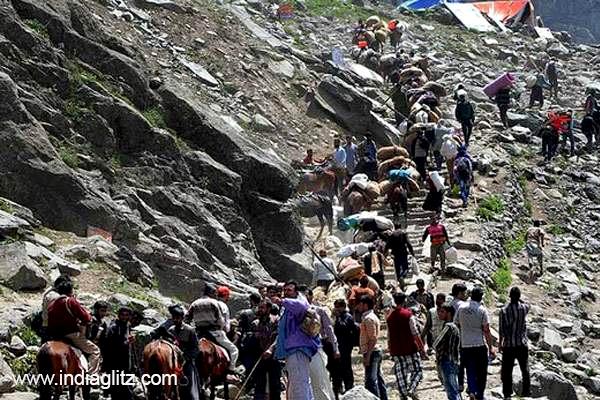 Islamist militants kill 6 Hindu pilgrims in Kashmir