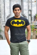 allu sirish tweets about pawan kalyan