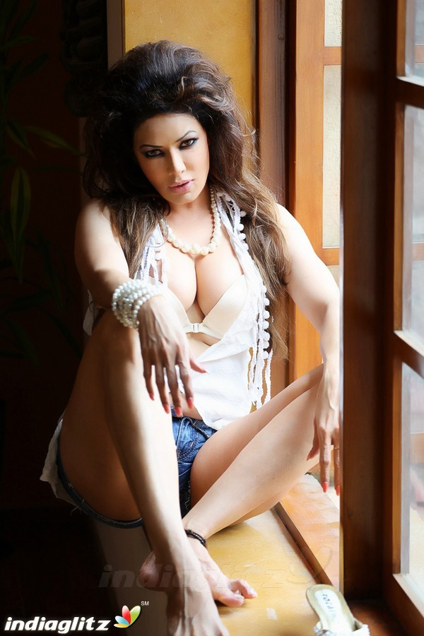 poonam jhawar   bollywood actress image gallery