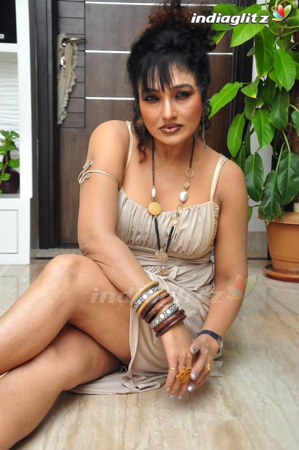 Hacked Ramya Sri nude (18 pics) Paparazzi, Snapchat, swimsuit